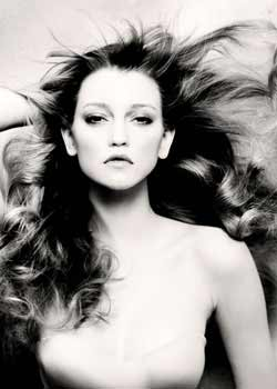 © PAUL HAWES - REVIEW HAIR COLLECTION